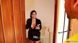 Big bottomed Latin housewife Sheila Ortega bangs one young plumber