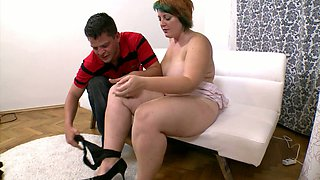 Short dyed haired amateur housewife with chubby body gets her twat licked