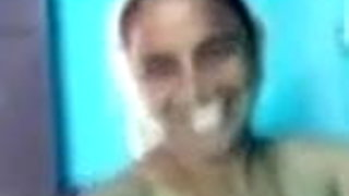 Tamil aunty sowing in video call