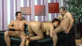Fatty bitches in hot hardcore threesome fun