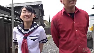 Japanese schoolgirl came home and spread her legs wide to get fucked, until she cums