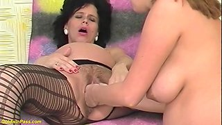 Extreme preggo mom deep double fisted