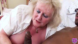 Cum Swapping Grannies With Auntie Trisha