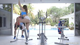 Gentle fucking in the home gym with busty darling Ivy Rose