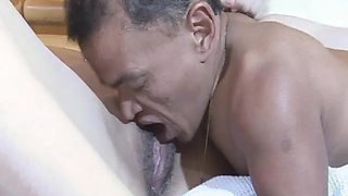 Midget Dives Into The Pussy