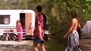 french movie : le camping des foutriquets