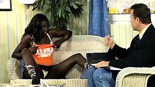 Sexy black African babe knows how to avoid paying the rent.