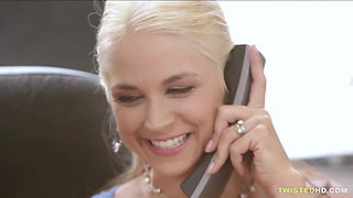 Buxxom MILF pleases while on the phone