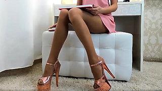 Legs legs leeeeeegs with pantyhose and platform sandals.(2)