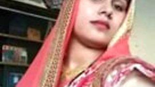 cute couple – Hindi call recorded – horny and seducing :)