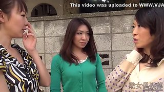 Japanese Housewife Gives Handjob And Footjob In Asian Fetish Video