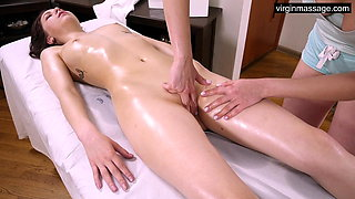 Ira Pizdunka has hardcore orgasms from virgin massage