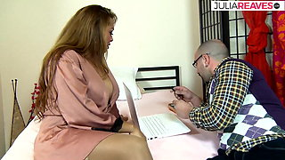 Busty Latina calls her boyfriend because she wants to fuck