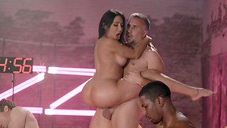Awesome Brazzers House orgy with top-class porn actresses and hanks