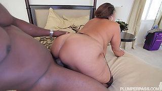 Busty Latina MILF (Busty 38K Latina BBW Peekk & Booo Poundin') 1080p