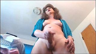 Sexy milf shoots milk
