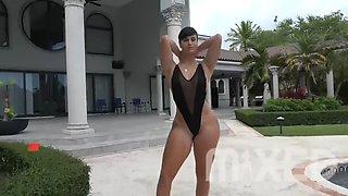 zahra elise's hotness