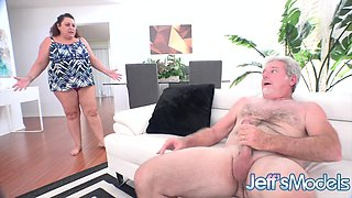 Horny Hubby Convinces Mature BBW Housewife Lacy Bangs to Take It up the Ass