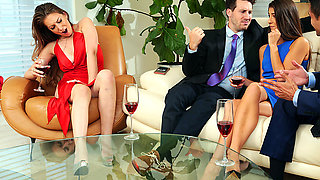 Brazzers – Panting In Public