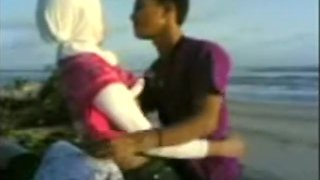 Arab girls have sex at the beach
