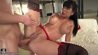 Anal paradise with a passionate brunette named Valentina Ricci