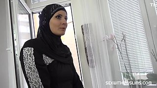 Steve Q In Hot Muslim Woman Doing Extra Cleaning