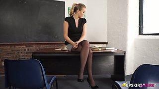 Sex-appeal teacher in mini skirt Ashley Jane is flashing her butt
