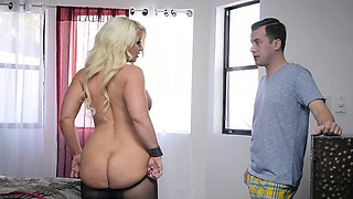 Brazzers - Big Butts Like It Big -  My Stepmo
