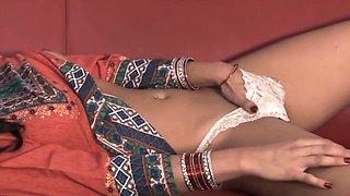 Sunny Leone, Indian Bhabhi And Indian Aunty In Sajna Hai Mujhe Xxx Trailer