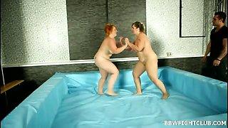 Female heavyweight wrestling