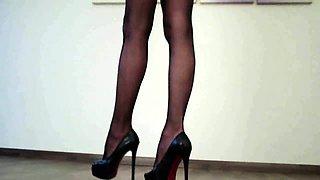 0055-Seductive Legs  Heels