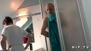 Petite asian slut doing a french old man Papy Voyeur