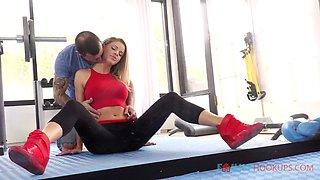 Hot Jessa Gets a Workout