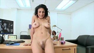 Exotic cougar Persia Pele, cumshot on pussy