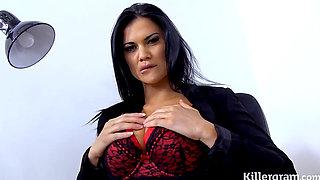 jamsine jae secretaria sexy juega en la oficinade su jefe