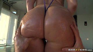 Big Wet Butts: Madison Makes It Bounce. Madison Rose, Jordan Ash