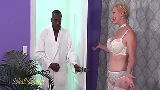 Sekas Interracial Seduction Of Her Trainer 11 Min With Sweet Alice