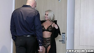 Blonde milf Mysha Mynx gets a hard face fuck from the aggressive stud