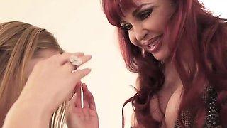 Sexy Vanessa Finger Fucks and Licks Kianna Dior's Pussy