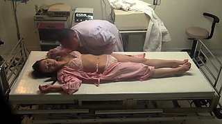 Sleeping Japanese mom has a horny doctor plowing her pussy