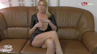 German MILF live anal cam show with double penetration toy