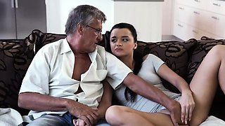 Old man fuck young girl in bathroom and hotel maid What woul