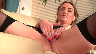 Foxy mature Ella Clarke drops her panties to finger her fuck hole