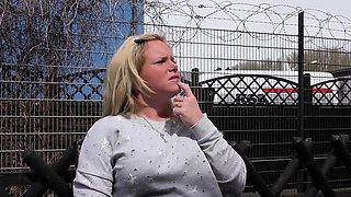 HAUSFRAU FICKEN - Mature German housewife gets fucked hard