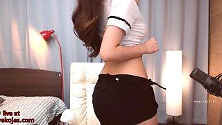 Beautiful Korean camgirl with amazing tits