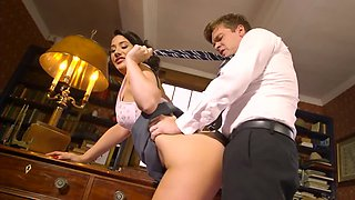 Brunette secretary does it with boss for pay increase